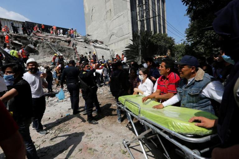 Σεισμός – Μεξικό: Σοκ σε σχολείο – Τουλάχιστον 30 νεκροί – Δεκάδες αγνοούνται [pics, vids] | Newsit.gr