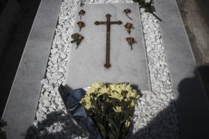 Νέο χαράτσι… για τον τάφο μας! Θα πληρώνουμε… και στον άλλο κόσμο! Απίστευτο αλλά αληθινό!