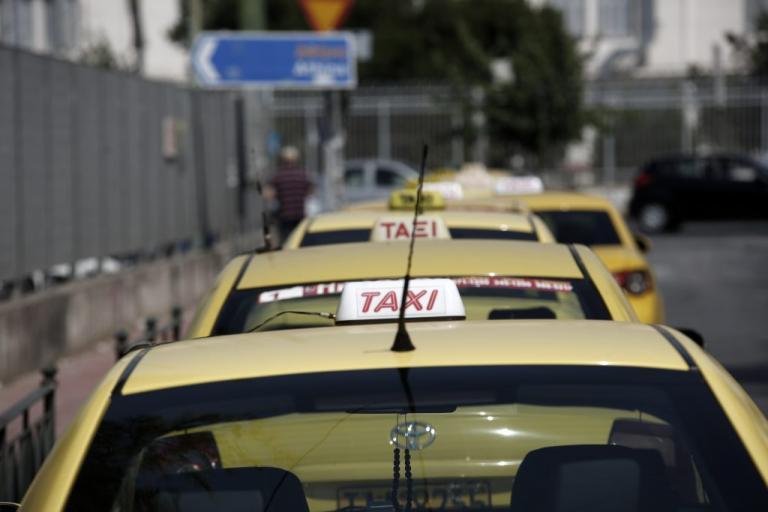 Ταξί: «Δύο νομοσχέδια» λέει ο Σπίρτζης!