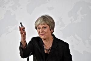 Βρετανία: Ανατροπή της Μέι ετοιμάζουν οι βουλευτές της – «Φαγωμάρα» για το Brexit