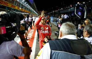 """F1: Ο Φέτελ μπροστά από τους """"ταύρους"""" στη Σινγκαπούρη"""