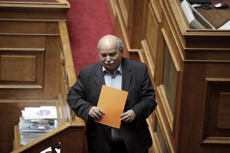 Επίθεση (και) από Βούτση στον Μίκη Θεοδωράκη – «Υστερική και μυωπική η αντίθεσή του στην κυβέρνηση» | Newsit.gr