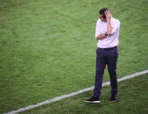 ΑΕΚ – Ολυμπιακός: Ο Χάσι… κάνει τον ψυχολόγο και τους καλεί στο γραφείο του
