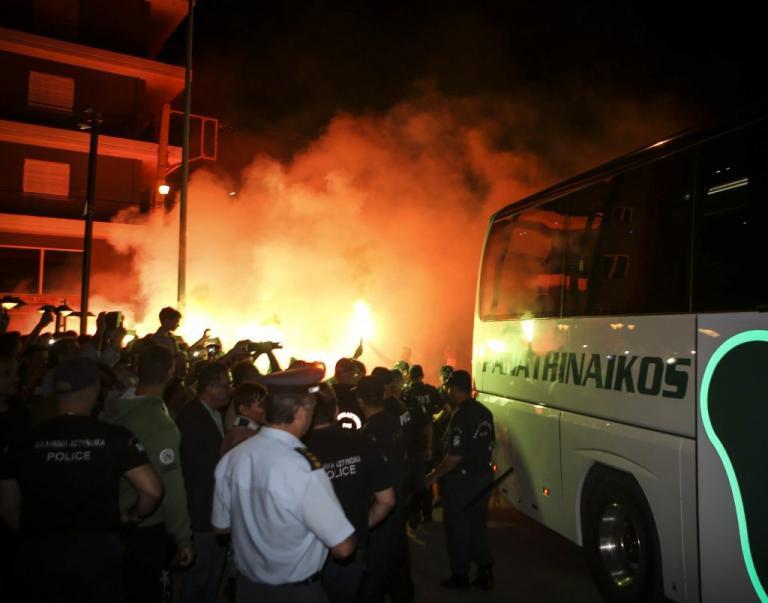 Παναθηναϊκός: «Κάηκε» το Αγρίνιο! Τρομερή υποδοχή στην «πράσινη» αποστολή [pics, vids] | Newsit.gr