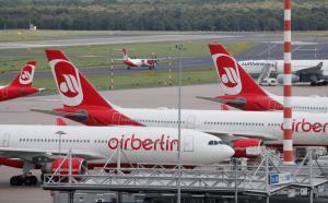 """Κατά """"κύματα"""" δηλώνουν… ασθενείς οι πιλότοι της Air Berlin – Μαζικές ακυρώσεις πτήσεων"""