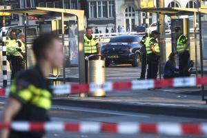 Φόβος και τρόμος στο Άμστερνταμ – Οχυρώνεται η πόλη, φοβούνται επίθεση