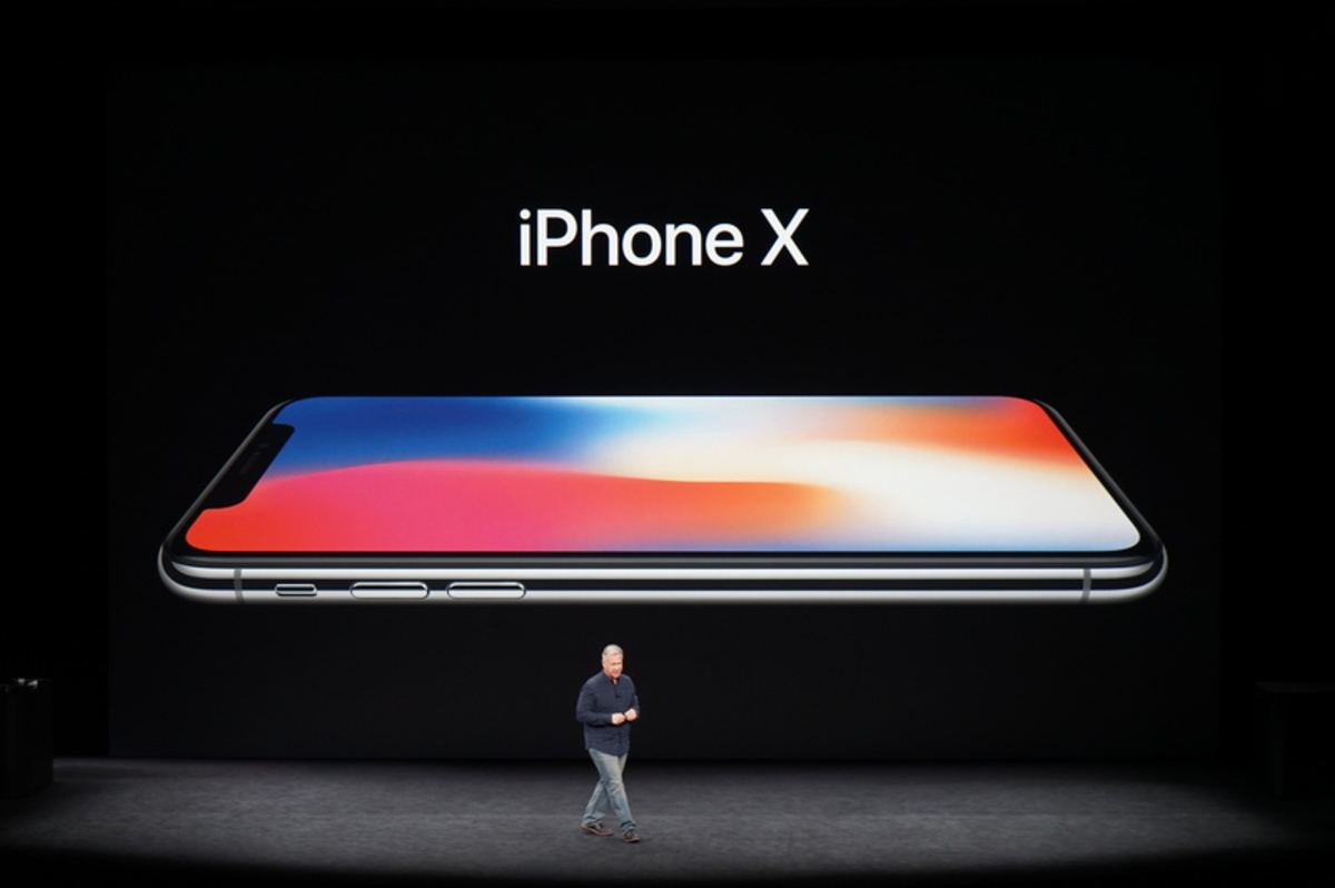 apple event63 - Αυτό είναι το επετειακό iPhone X της Apple!