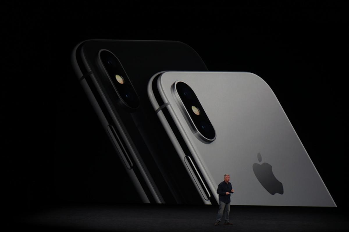 apple event65 - Αυτό είναι το επετειακό iPhone X της Apple!
