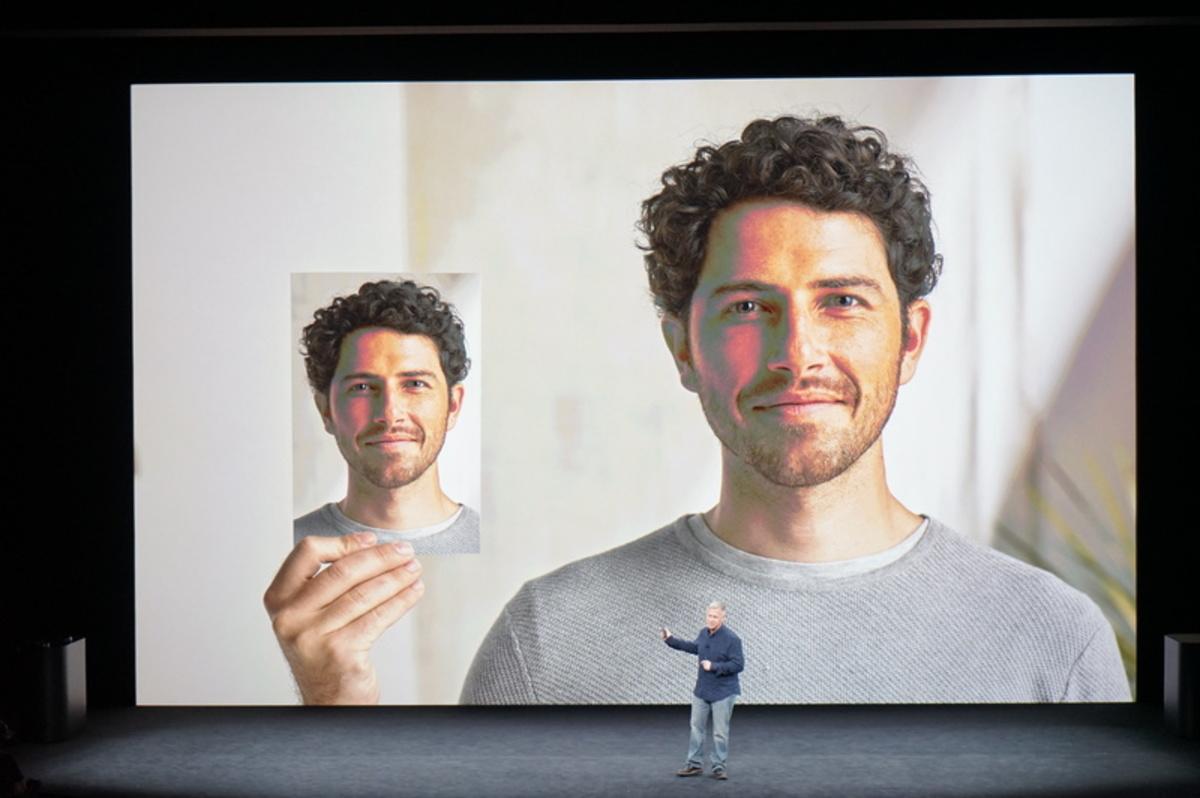 apple event74 - Αυτό είναι το επετειακό iPhone X της Apple!