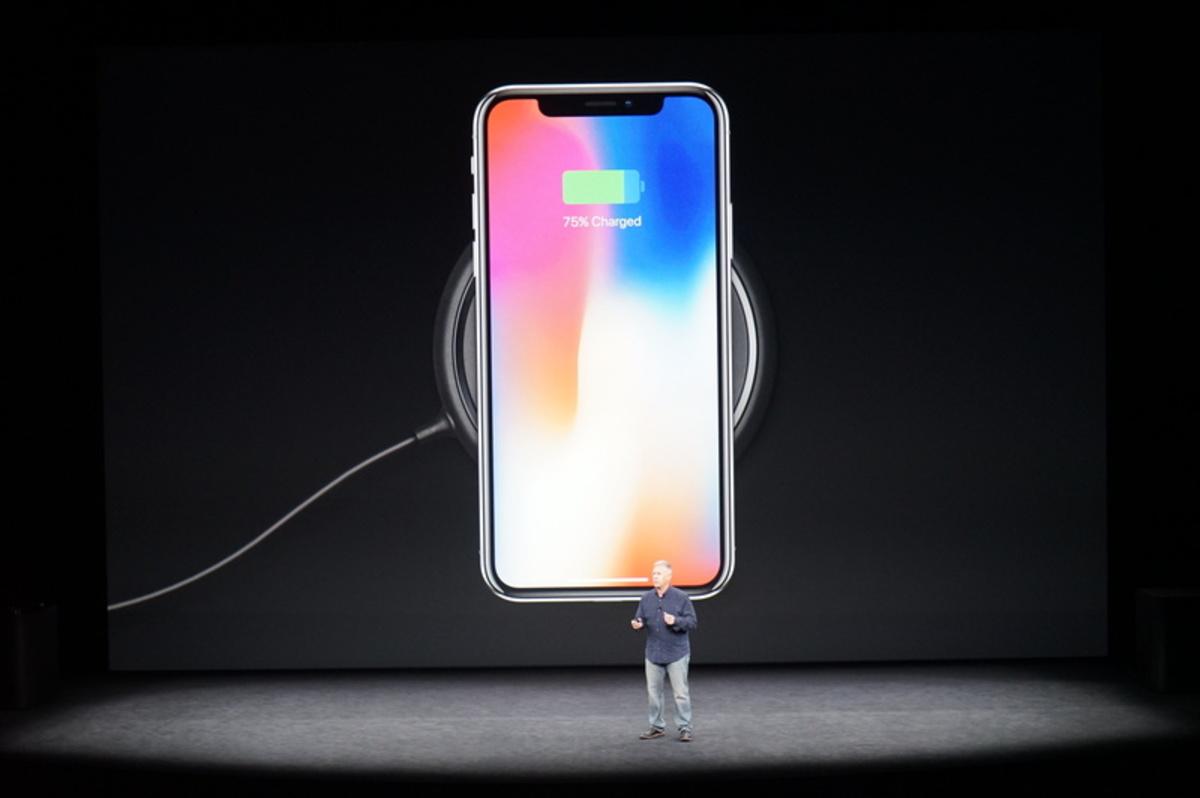 apple event83 - Αυτό είναι το επετειακό iPhone X της Apple!