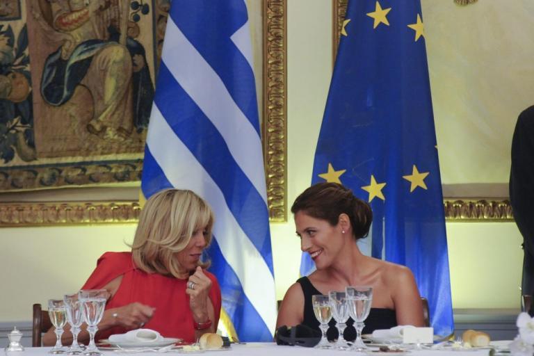 Τα δώρα της Μπέτυς Μπαζιάνα στην Μπριζίτ Τρονιέ | Newsit.gr