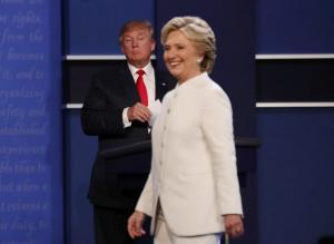 «Ξέφυγε» ο Τραμπ! «Χτύπησε» με… μπαλάκι τη Χίλαρι και κοροϊδεύει τον Κιμ Γιονγκ Ουν!