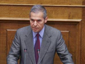 Δαβάκης: Μετατρέπουν την Ομοσπονδία Στρατιωτικών σε κυβερνητική οργάνωση