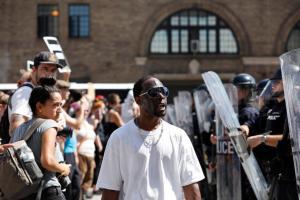 ΗΠΑ: Νέες διαδηλώσεις για την αθώωση του αστυνομικού που σκότωσε Αφροαμερικανό