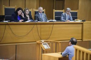 """Δίκη Χρυσής Αυγής: """"Απειλούν και εκβιάζουν όποιον θέλει να αποχωρήσει"""" – Σοκαριστική μαρτυρία πρώην στελέχους"""