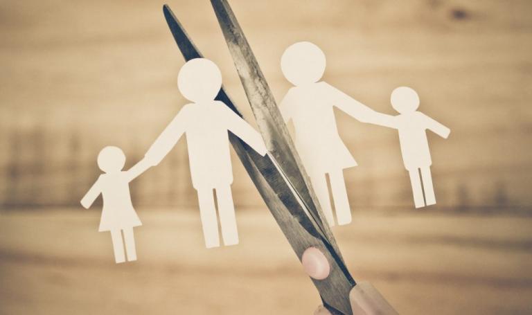 «Δε νομίζω ότι θα βγει ποτέ αγωγή διαζυγίου. Έχω να δω τα παιδιά μου από τις αρχές του καλοκαιριού»! | Newsit.gr