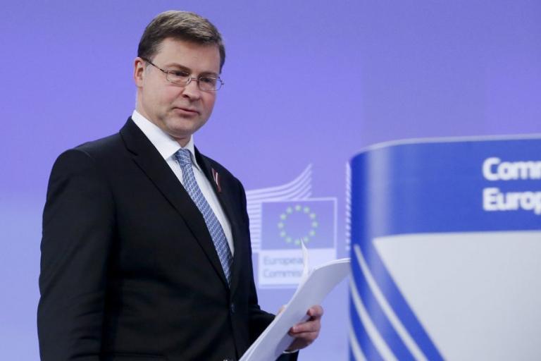 Ντομπρόφσκις: Δεν χρειάζεται κούρεμα χρέους – Πλεόνασμα 3,5% το '18   Newsit.gr