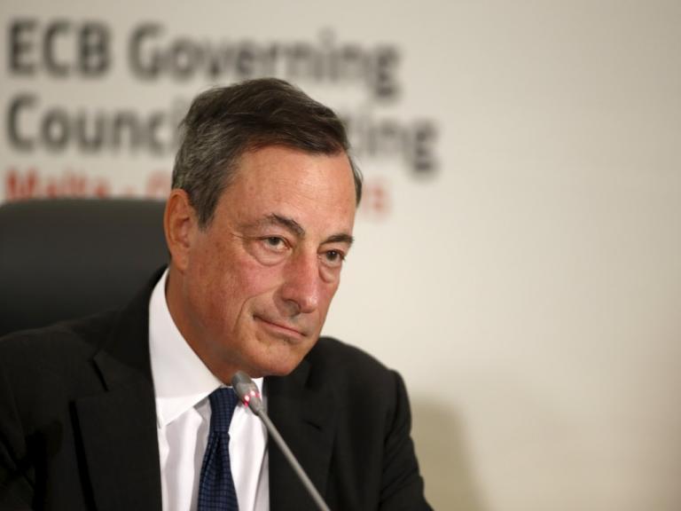 Ντράγκι: Παραμένουν αδυναμίες στην αντιμετώπιση των «κόκκινων» δανείων | Newsit.gr