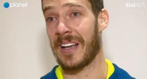 Τα δάκρυα του Ντράγκιτς μπροστά στη φανέλα του Ντράζεν Πέτροβιτς [vid]
