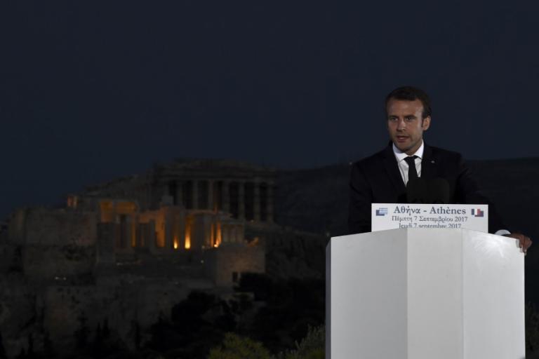 Μακρόν στην Ελλάδα: Και εγένετο… Έλληνας!