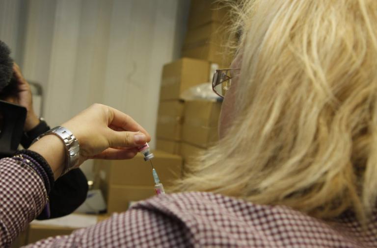 Πάτρα: Δεν υπάρχουν εμβόλια για την Ιλαρά! | Newsit.gr