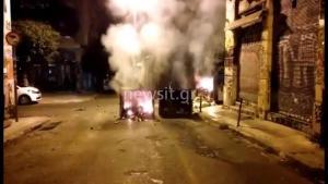 Εξάρχεια: «Καταδρομική» με πέτρες και μολότοφ στο αστυνομικό τμήμα