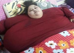 Πέθανε στα 37 της η πιο παχύσαρκη γυναίκα του κόσμου! Ζύγιζε 499 κιλά [vid]