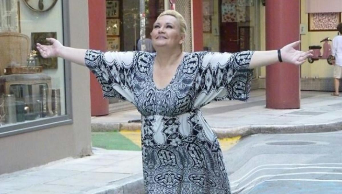 Η Καίτη Φίνου αποκαλύπτει την πραγματική ηλικία της και ποζάρει χωρίς μακιγιάζ | Newsit.gr