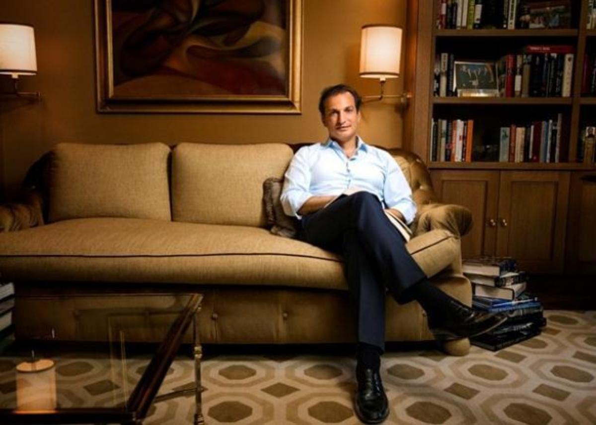 Γιώργος Λογοθέτης: Ο ομογενής κροίσος που μπήκε στη λίστα του Forbes, η φιλία με Ομπάμα – Κλίντον – Αγγελοπούλου και ο ευτυχισμένος γάμος! | Newsit.gr