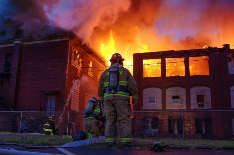 Σοκαριστικό! 14χρονη έκαψε ζωντανές 9 συμμαθήτριές της | Newsit.gr