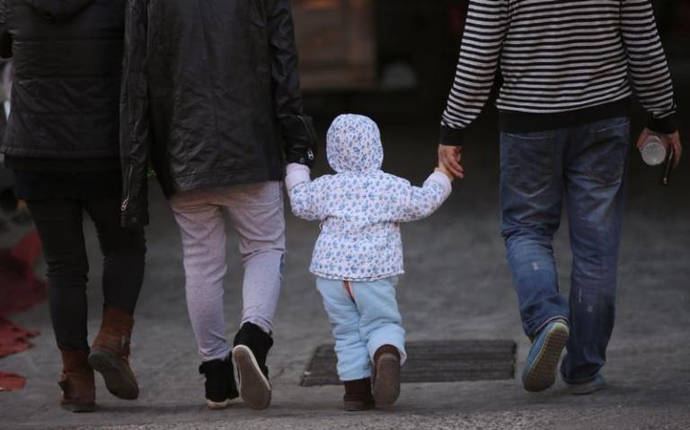 Τέλος Μαρτίου η πρώτη δόση του νέου ενιαίου «επιδόματος παιδιού» | Newsit.gr