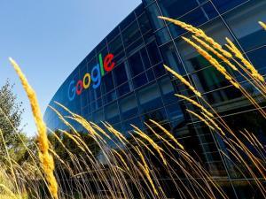 Η Google εξαγόρασε τμήμα της HTC