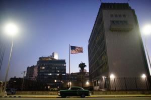 """Αποσύρουν διπλωμάτες από την Κούβα μετά τη μαζική """"ασθένεια"""""""