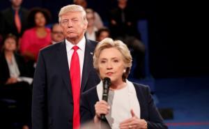 Χίλαρι Κλίντον: Έξαλλη με τον Σάντερς!