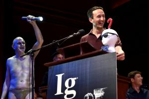 Τα Νόμπελ του… «τρελού» – Αυτοί κέρδισαν τα βραβεία Ig [pics]