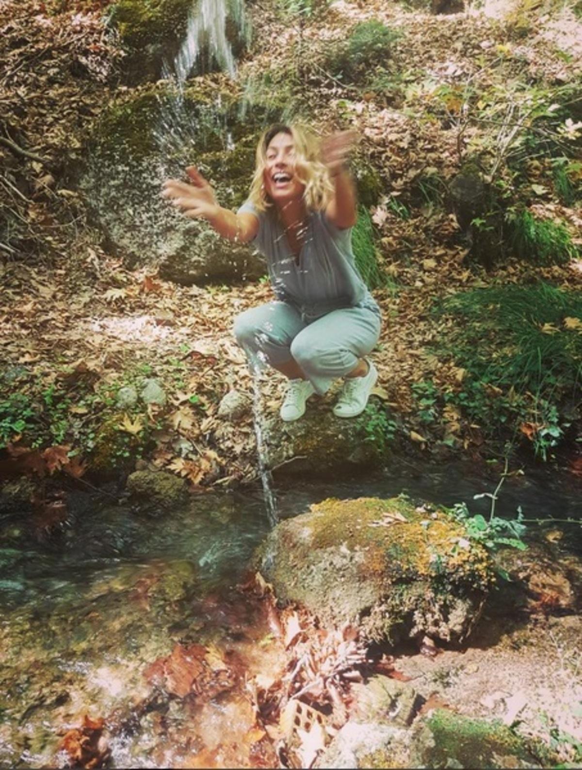 Μαρία Ηλιάκη: Η φωτογραφία από τα παιδικά της χρόνια μαρτυρά πως είχε τις ίδιες συνήθειες με τώρα! | Newsit.gr