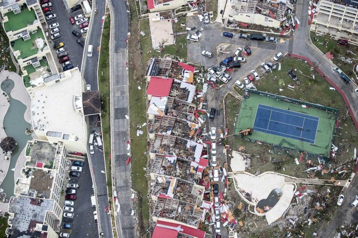 irma1 3 - Κυκλώνας Ίρμα: Έφτασε την Κούβα - τυφώνας, Κουβα, Ιρμα, ειδήσεις