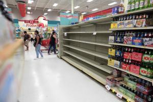 H Irma απειλεί! Αδειάζουν ράφια, ανοίγουν καταφύγια – Σε κατάσταση έκτακτης ανάγκης η Φλόριντα