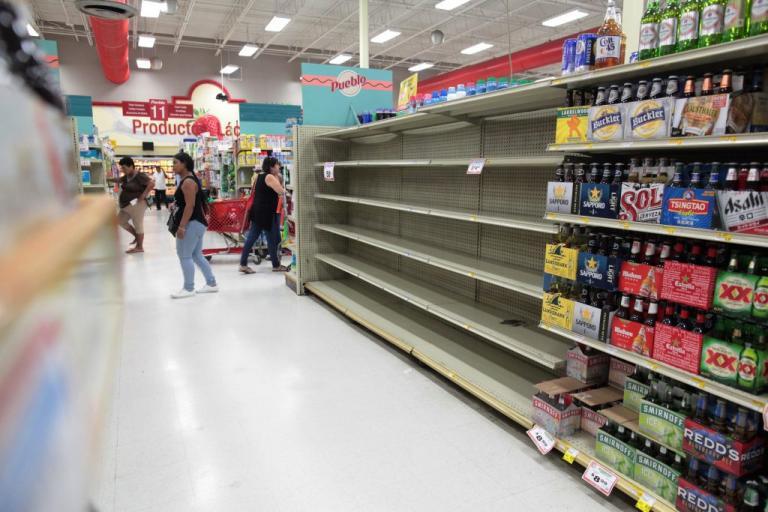 H Irma απειλεί! Αδειάζουν ράφια, ανοίγουν καταφύγια – Σε κατάσταση έκτακτης ανάγκης η Φλόριντα | Newsit.gr