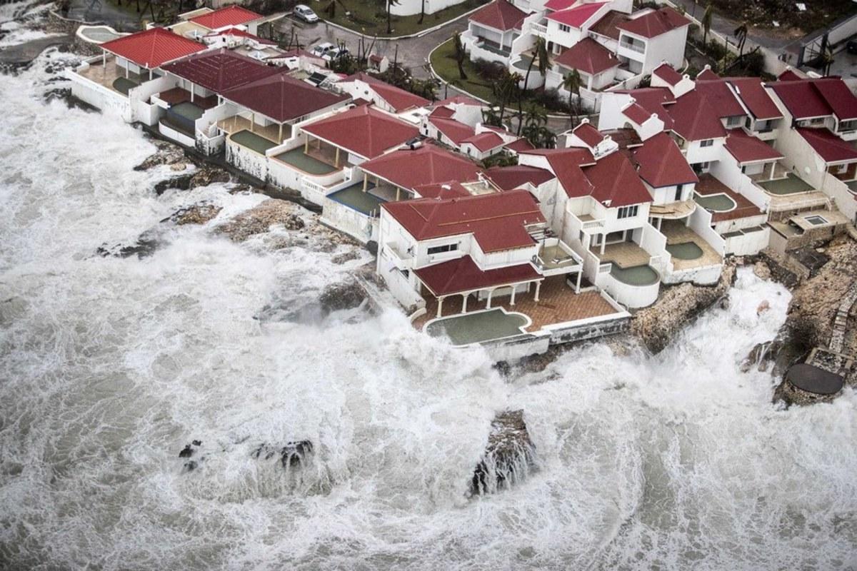 irma6 2 - Κυκλώνας Ίρμα: Έφτασε την Κούβα - τυφώνας, Κουβα, Ιρμα, ειδήσεις