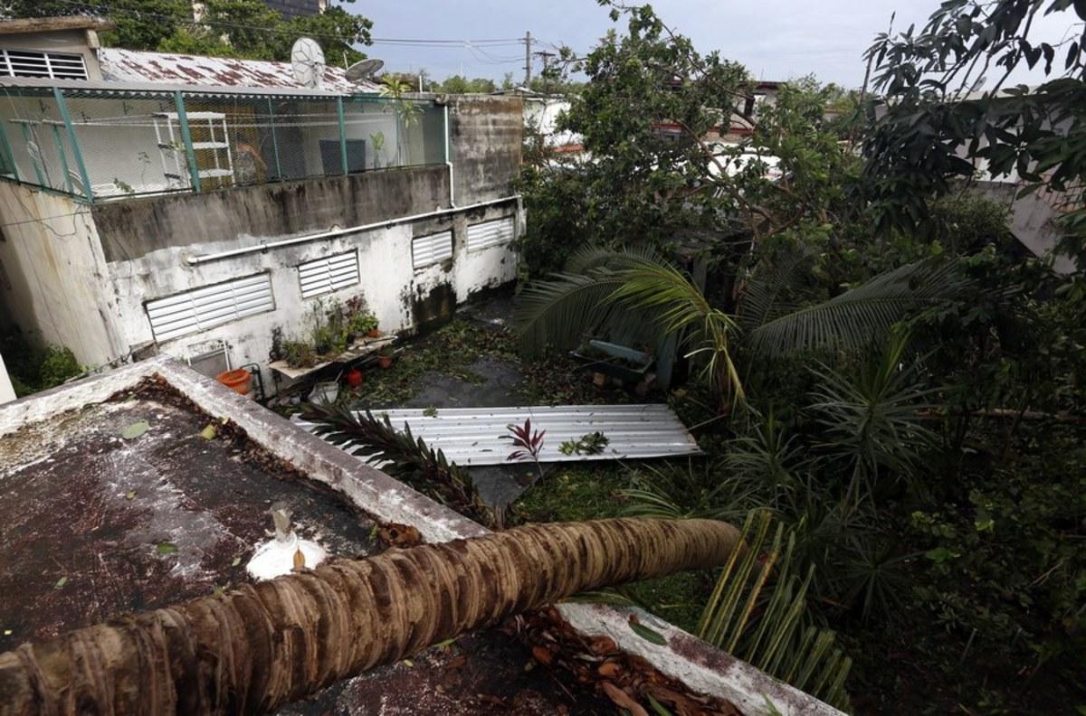 irma7 2 - Κυκλώνας Ίρμα: Έφτασε την Κούβα - τυφώνας, Κουβα, Ιρμα, ειδήσεις