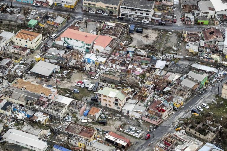 Κυκλώνας Ίρμα: Σαρώνει ζωές! Πλήρης καταστροφή σε νησιά της Καραϊβικής – Εικόνες που κόβουν την ανάσα [pics, vids] | Newsit.gr