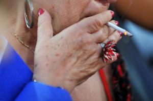 Έλεγχοι και πρόστιμα για το κάπνισμα στα δικαστήρια της Θεσσαλονίκη