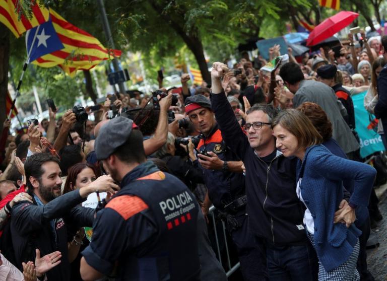 Ε.Ε: Φόβοι ότι μπορεί να ξεφύγει η κατάσταση στην Καταλονία | Newsit.gr