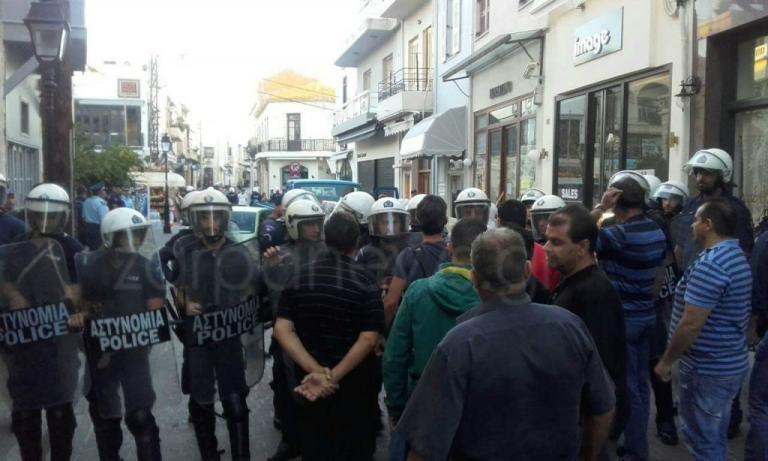 Ρέθυμνο: Χάος σε κατάσχεση καταστήματος – Σοβαρά επεισόδια και συλλήψεις [vids]   Newsit.gr