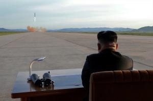 Ιαπωνία: Ίσως η Βόρεια Κορέα ετοιμάζει νέα εκτόξευση βαλλιστικού πυραύλου