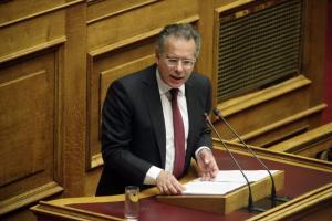 Κουμουτσάκος: Η κυβέρνηση να υπερασπιστεί τα σπίτια των Ελλήνων στην Χειμάρα