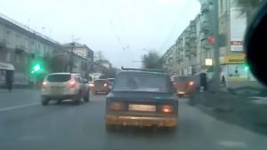 Αναρωτιέστε γιατί χρειάζονται τα αμορτισέρ στα αυτοκίνητα; Ε, δείτε αυτό το video!