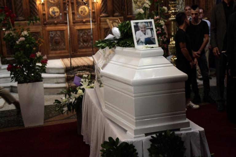 Ζωή Λάσκαρη: Την Κυριακή το μνημόσυνο για τις 40 μέρες από το θάνατό της   Newsit.gr