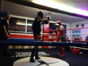 «Μέσα» στην σχολή Muay Thai για αντιφασίστες